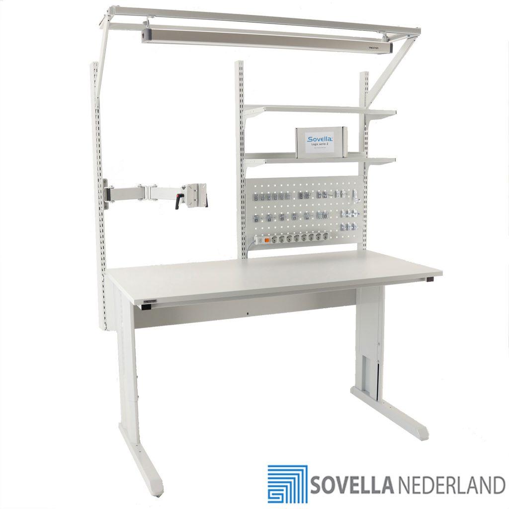 Sovella Nederland Treston concept werktafel met logistieke hakenset en verlichting voor het uitvoeren van reparaties en assemblage werkzaamheden